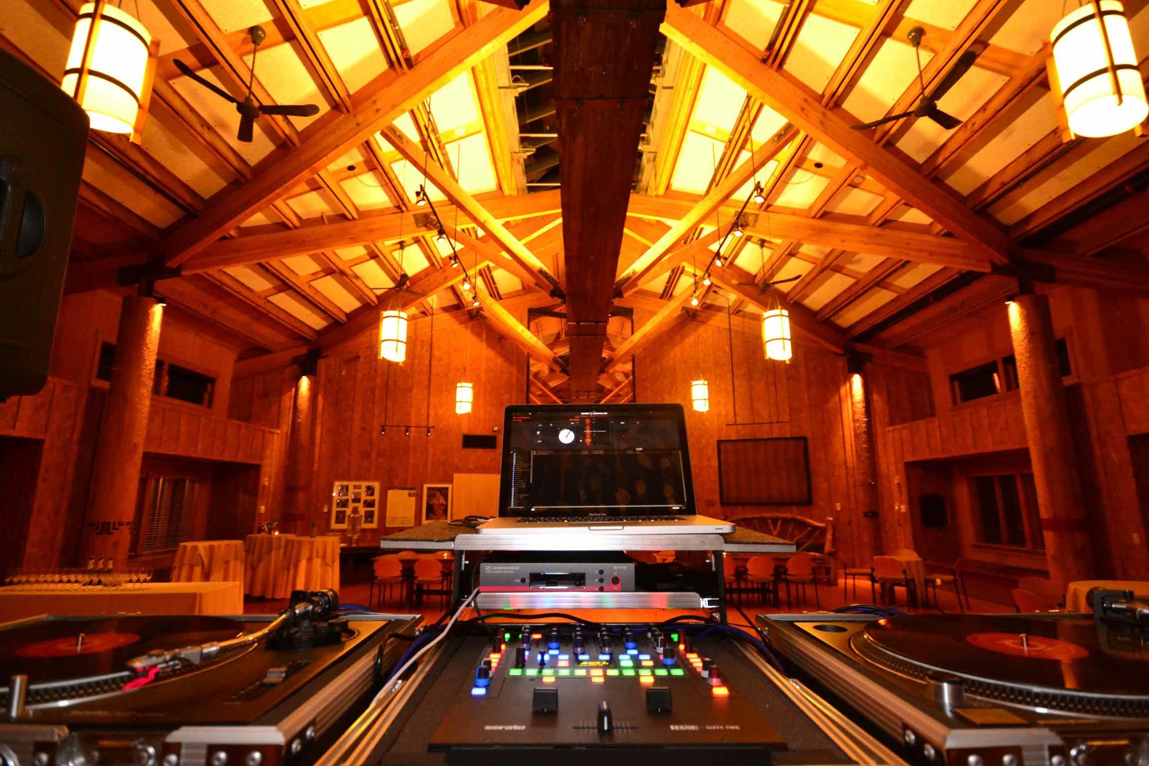 music masters wedding dj turntables