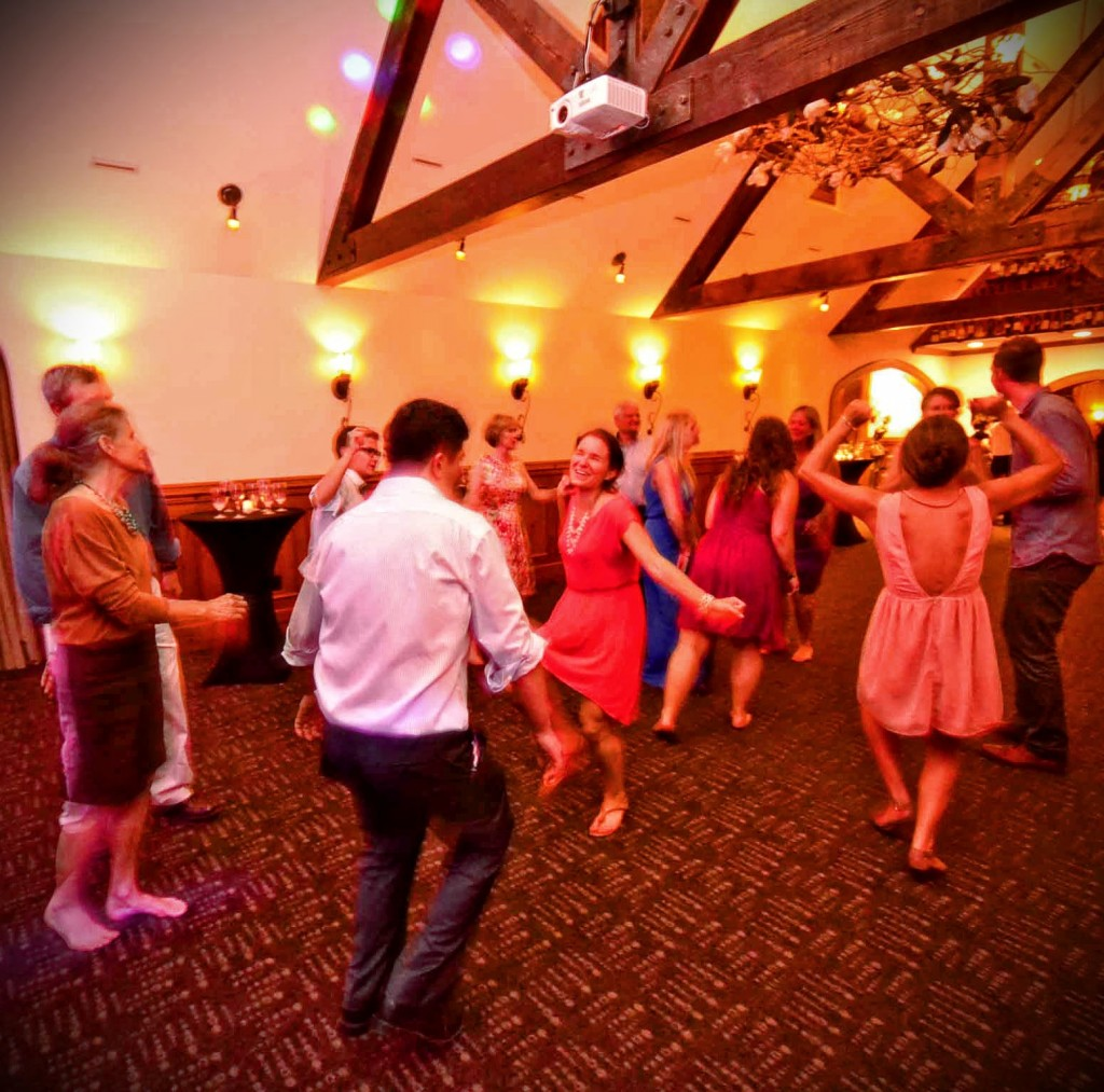 Music Masters dj's at a wedding at The Manor House on Bainbridge Island