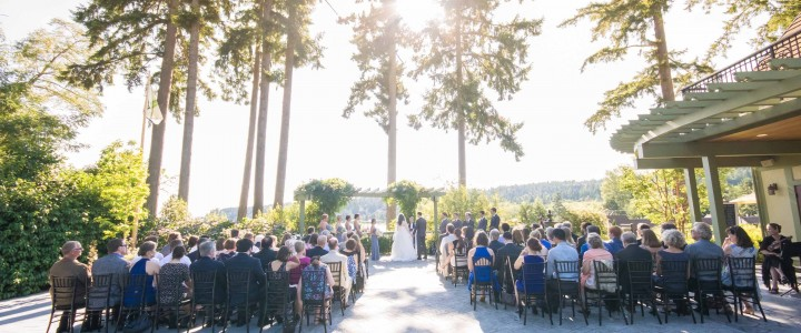 Music Masters DJs a wedding at Manor House at Pleasant Beach on Bainbridge Island